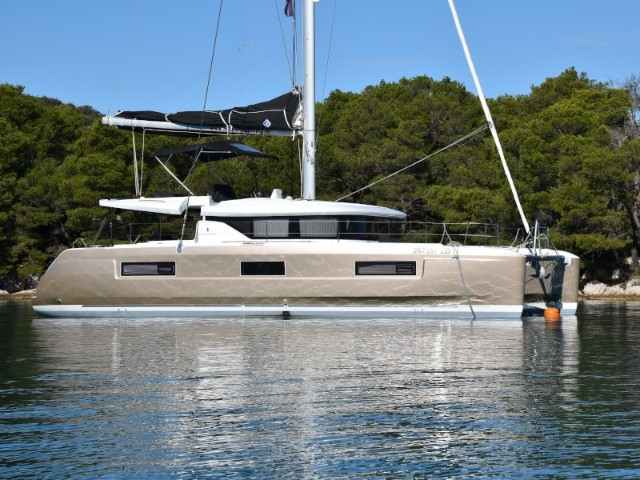Catamaran Lagoon 46